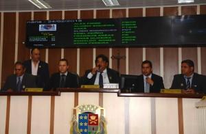 Primeira sessão ordinária de 2015 contou com a presença do vice-prefeito de SJB, Alexandre Rosa, e do deputado estadual Bruno Dauaire. Foto: Divulgação
