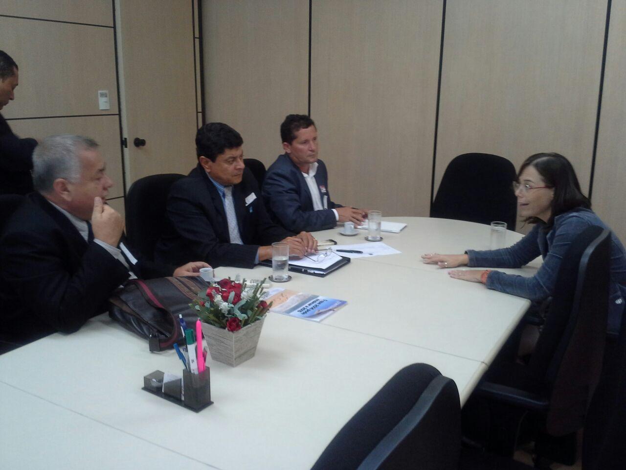 Neco participa de reunião sobre o Pronatec no ministério da Educação.
