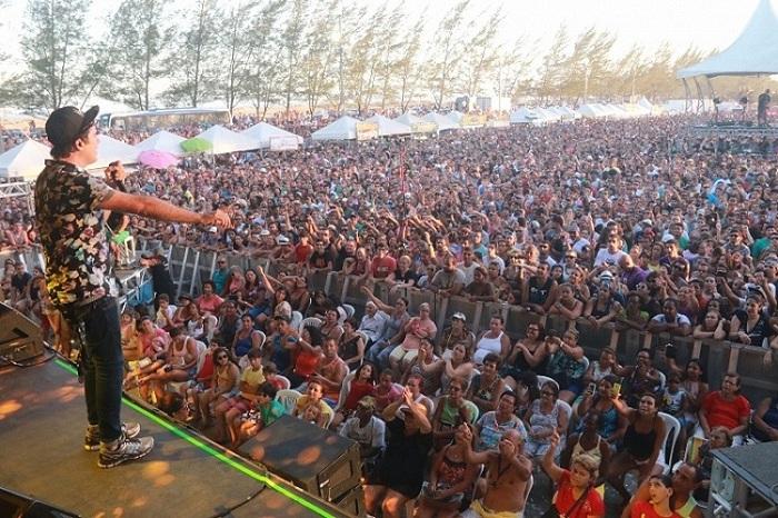 Show aconteceu no Balneário e reuniu grande público.