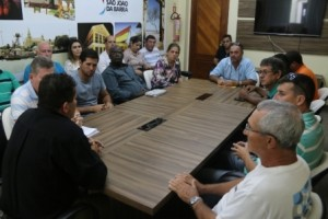 Reunião aconteceu com festeiros do município.