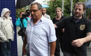 Milton Pascowitch chega a sede da PF em São Paulo - Luiz Carlos Murauskas/Folhapress