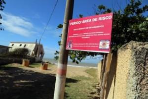 Áreas de risco foram sinalizados em Atafona.