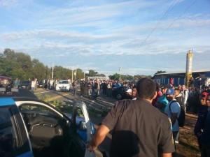 Manifestantes bloqueiam BR 356