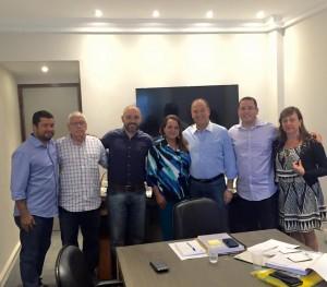 Carla e Renato com o presidente nacional do PSC, além de representantes da regional