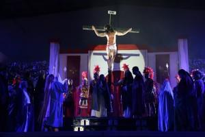 Paixão de Cristo será encenada nesta sexta-feira (25), no Ginásio de Espoortes
