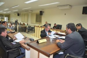 Os nove vereadores de SJB estiveram na sessão que apreciou a LDO