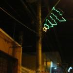 Árvore de Natal de cabeça pra baixo( simpatia pra não faltar Reis Magos e Camelos na decoração de Natal)