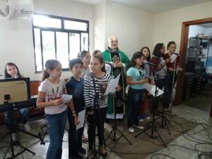 Pr. Crimário Verdan com  grupo de jovens