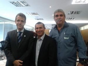 Ministro da Saúde Arthur Chioro, Secretário de saúde do Estado Felipe Peixoto e ex-Secretário de Saúde de Cardoso Moreira Humberto Chaves Dias Júnior, em agenda recente no ministério