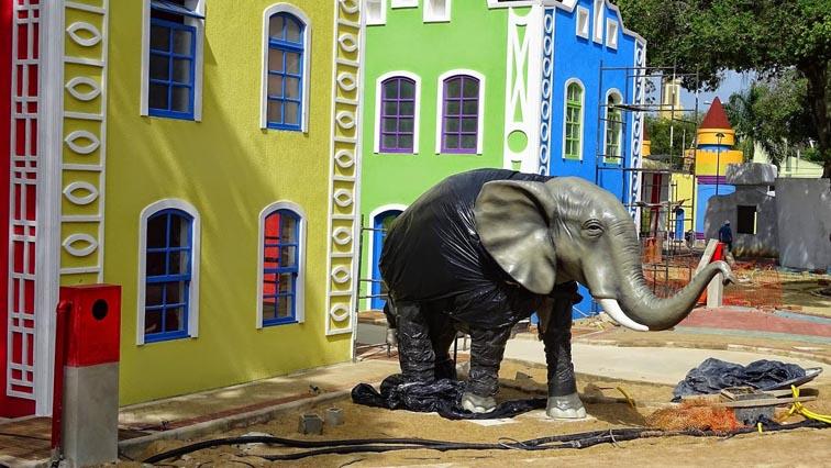 Falta pintar o elefante de branco para fazer jus a