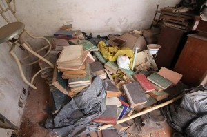 Biblioteca-Muinicipal-livros-materias-e-equipamentos-abandonados_Foto-de-Antonio-Cruz_jpg-3