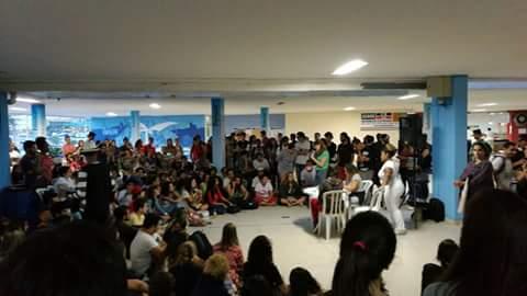 Estudantes reunidos na Cidade Universitária. Foto: Ocupação