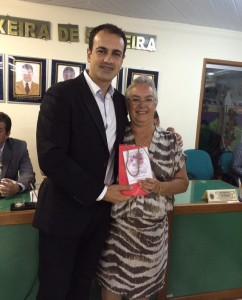O vereador de SJ de UBá, Juninho e a mãe Concheta Diniz Valeriote. Ex-vereadora e ex-vice-prefeita. ft-Ar-Pessoal