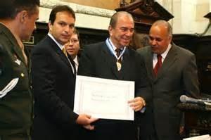 Desembargador Luis Leite Araújo, vice-presidente do PSDB- Itaperuna ( na foto, recebendo a Medalha Tiradentes da Alerj-2007)  ft-alerj