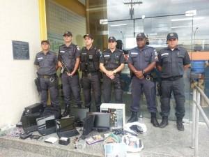Policiais do GAT -4ª CIA,depois da ação em Cardoso Moreira: Sub Ten Leandro, Sub Ten Aguiar, 3. SGT Paixão, SGT Coelho,  SGT Junior e SGT Wagner,