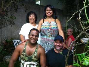 A mãe Lourdes, a irmã Angélica, ( jornalista), e o cunhado Sérgio.