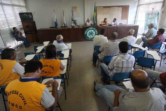 Reunião no Sindicato Rural sobre a Seca, com a presença da Defesa Civil da PMCG e de produtores rurais