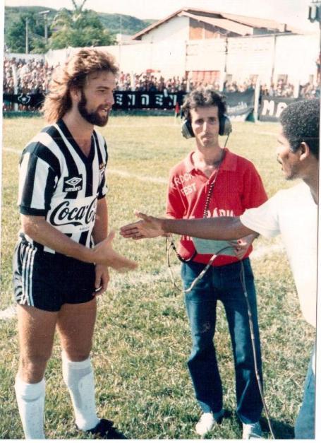 Paulinho Criciúma, um dos líderes do time do Botafogo que quebrou o jejum de 21 anos sem títulos, no empate em 0x0 entre Itaperuna e Botafogo no estádio Jair Bittencourt - Foto: Blog do Aloisio Soares