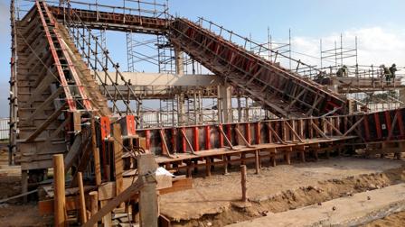 Altura da estrutura da arquibancada atinge 10 metros