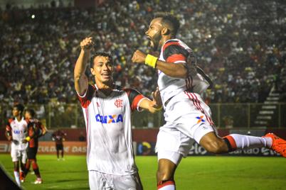 Vitoria 1x2 Flamengo - Brasileiro 2016 - 2o turno-2