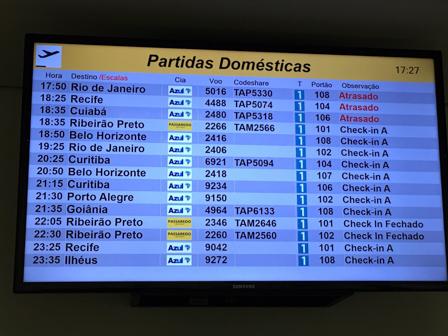 Renato Silva - pague para voar, reze para decolar (7) - painel atraso vôo-3