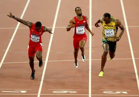 usain-bolt-vence-100m-no-mundial-de-pequim03