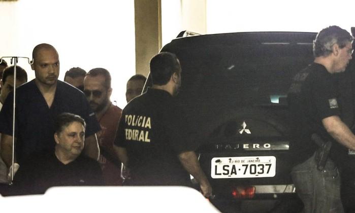 O ex-governador Anthony Garotinho deixa hospital - Gabriel de Paiva / Agência O Globo