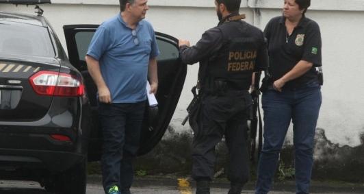 Garotinho ficou preso durante quase um mês, até ser solto por decisão do ministro Gilmar Mendes, então presidente do Tribunal Superior Eleitoral (TSE)