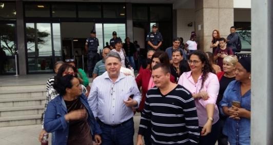 Casal Garotinho deixa Fórum após interrogatório