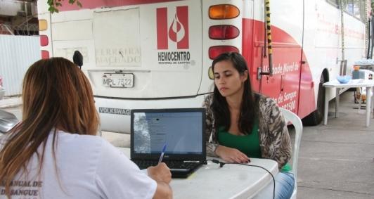 Doação de sangue no HEAA