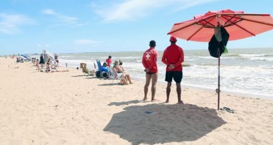 Guarda-vidas vão atuar na orla durante o verão