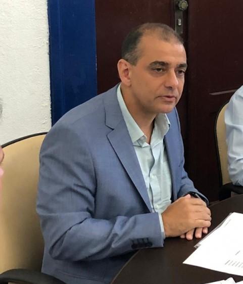 Secretário Edmar Santos descarta caso