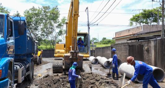 Construção da nova rede de drenagem