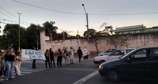 Profissionais da Saúde fazem protesto
